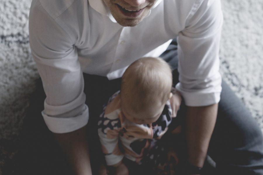 Vuoteni isänä – Perhevapaissa pikakorjauksen paikka?